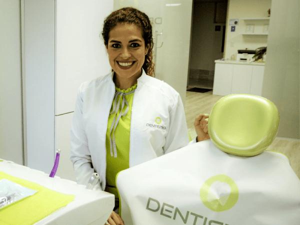 Karla Gori Estética dental rehabilitación odontología Bogotá Colombia Cedritos