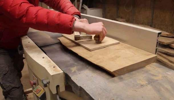 Фугование древесины на станке