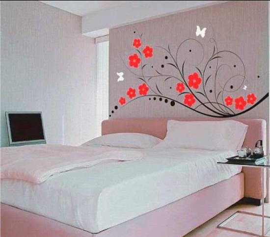 стены для спальни с красными элементами
