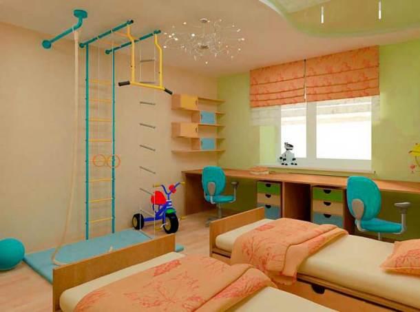 комната ребенка, кровати и шведская стенка