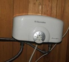 Проточный водонагреватель Электролюкс