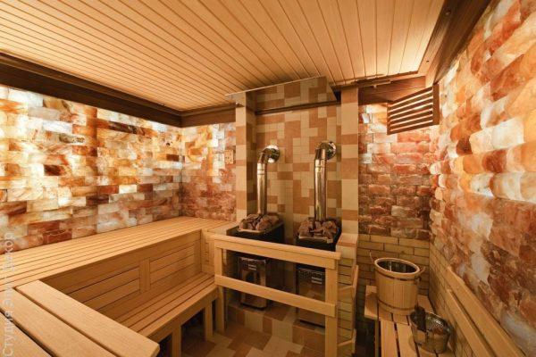 Баня с соляными стенами