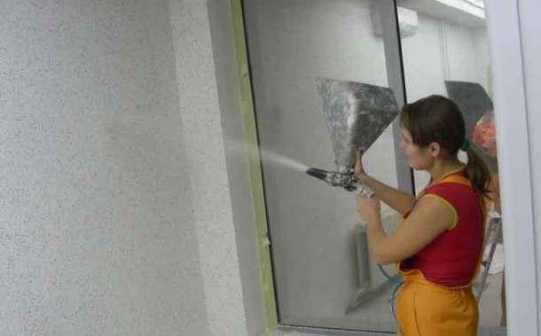 флокирование стены из распылителя