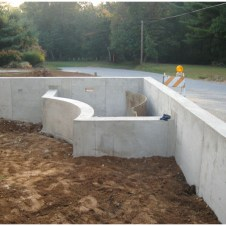 Готовые стены пруда из бетона