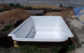 акриловый бассейн в котоловане