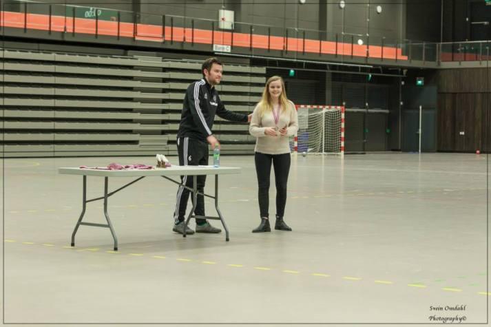 Andrine Olgeirsdottir kåret til årets unge DM spiller