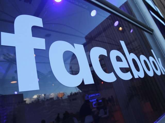Facebook and Instagram to stop minors from seeing explicit content