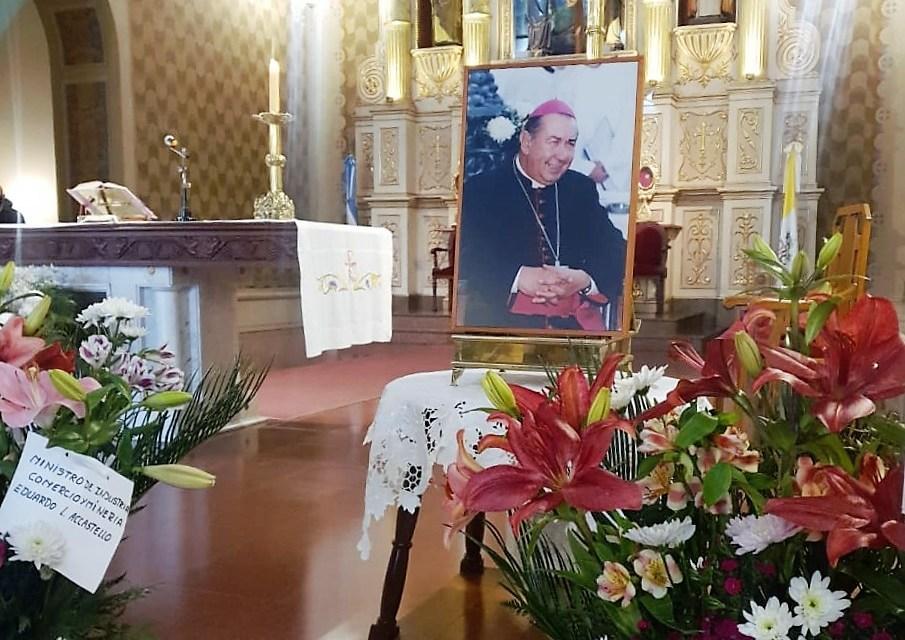 Misa por el eterno descanso del Monseñor Roberto Rodríguez – Homilía Pbro. Alberto Bustamante