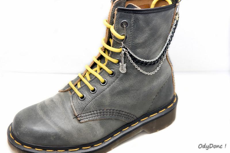 Bijoux de Chaussures Ethniques Personnalisables – Modèle N°1 : 2 Pendentifs / 3 Chaînettes