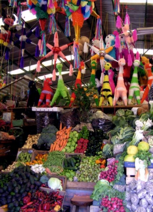 pinatas & produce