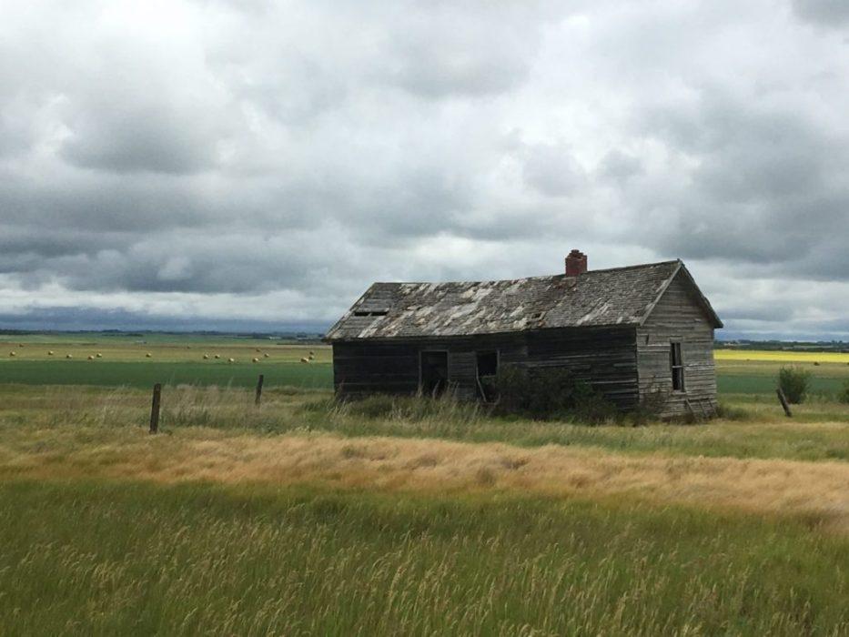one of so many abandoned farm houses
