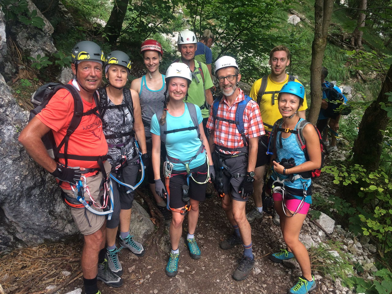 Klettersteig Mahdlgupf : Klettersteig mahdlgupf attersee feichtingerhof youtube