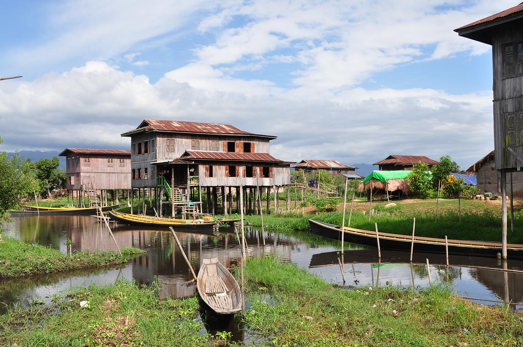 Khaung Dain Jetty, Inle Lake, Myanmar