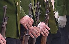 Salzburger Schützen mit Gewehren
