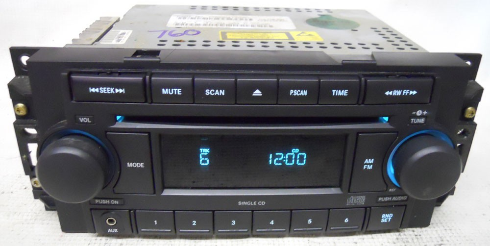 Jeep Commander 2006 2007 Factory Stereo AUX CD Player