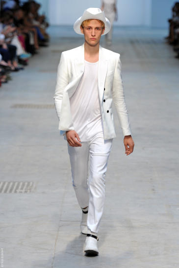 La vestimenta blanca en los hombres
