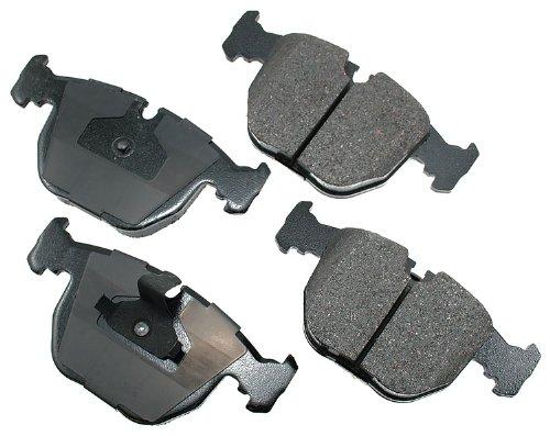 Akebono EUR681 EURO Ultra-Premium Ceramic Brake Pad Set