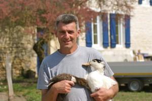 JF porte les deux canards