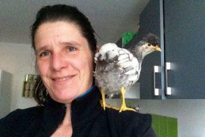 Avec maman Gaëlle dans la boite cuisine de la grande maison :)