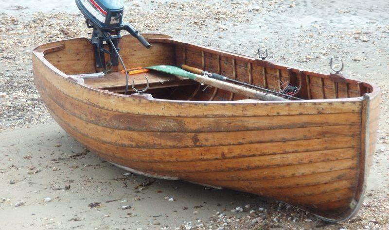 Boat on the shingle by mantasmagorical at Morguefile