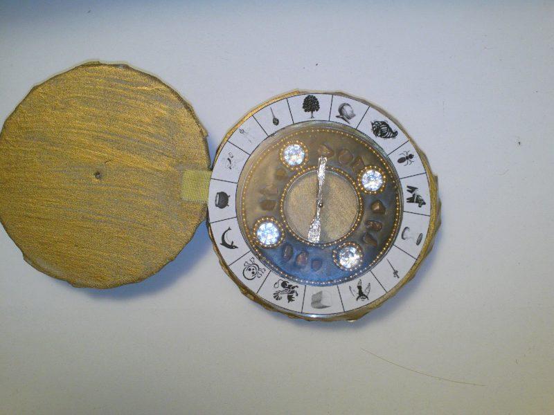 Simple alethiometer used as birthday invitation