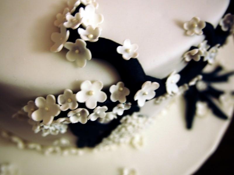 Hochzeitstorte mit Blmchen