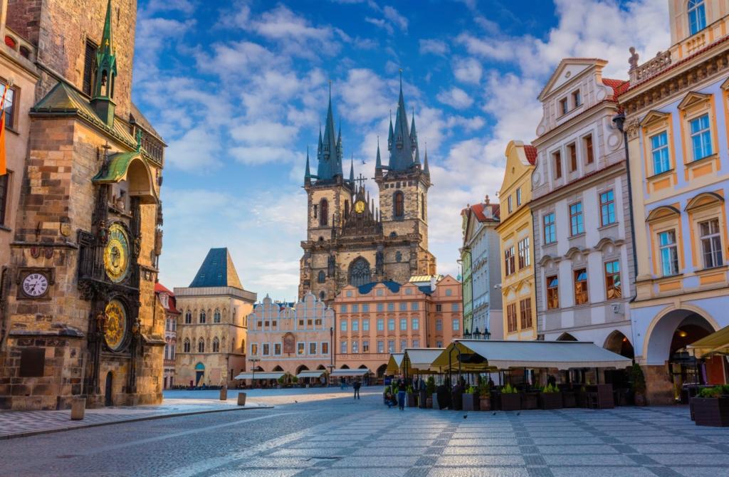 Zboruri catre oraşul celor o mie de turnuri, Praga – 87 euro (dus-intors)