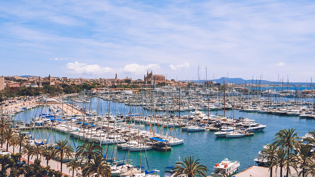 Zboruri ieftine catre Palma de Mallorca – de la 60 EUR dus-intors
