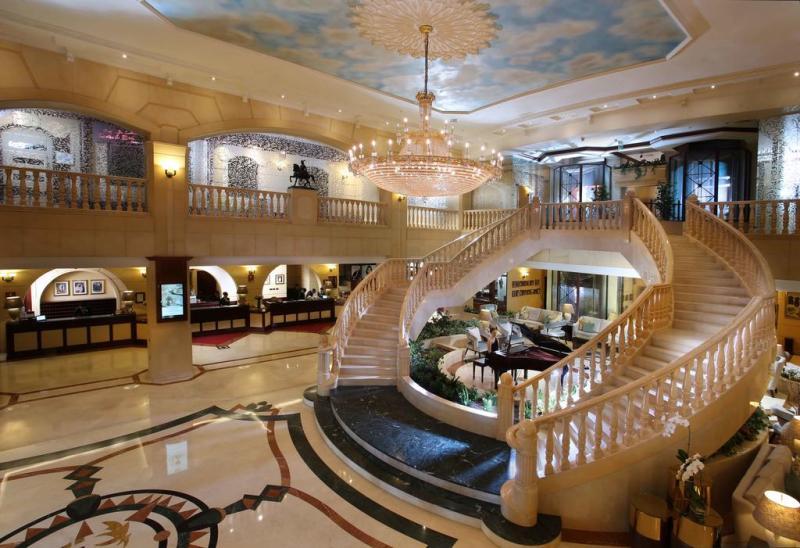 Hotelul de 5 * Carlton Palace Dubai foarte bine cotat de la doar 29 € / noapte cu anulare gratuită!