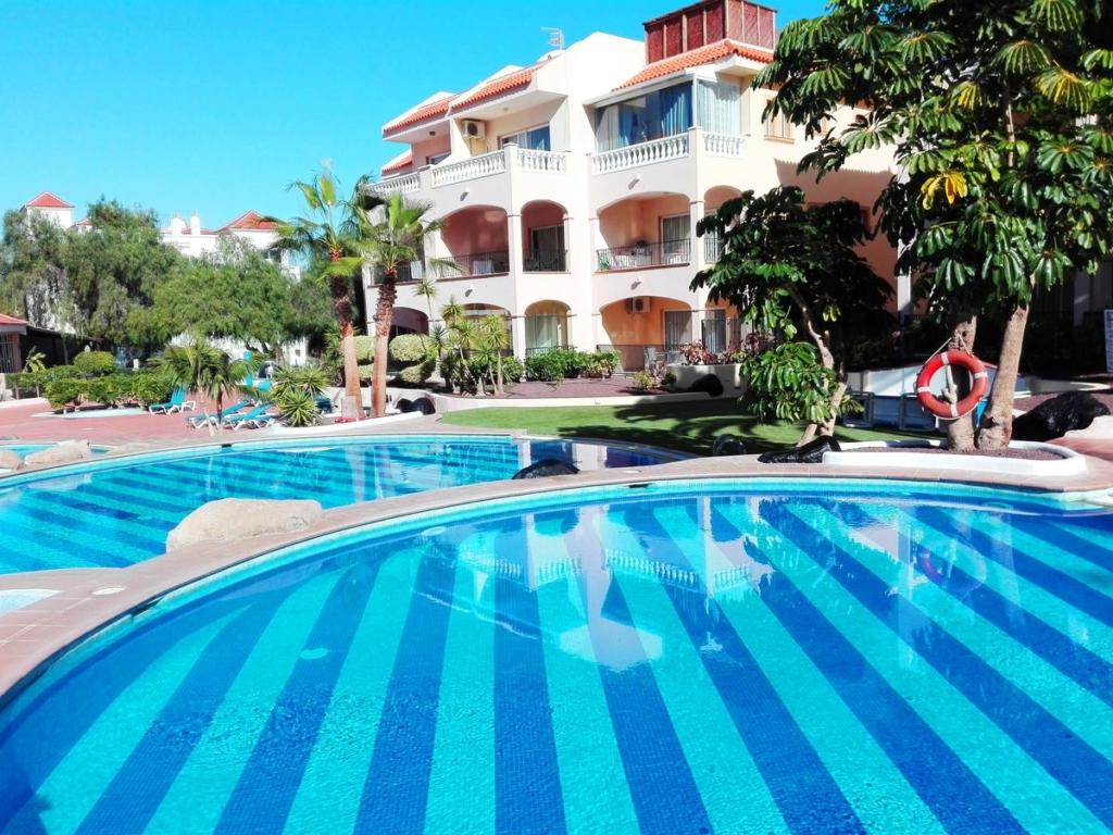 IULIE! Resort de 4 * foarte bine cotat din Tenerife pentru doar 34 € / noapte! (anulare gratuită)