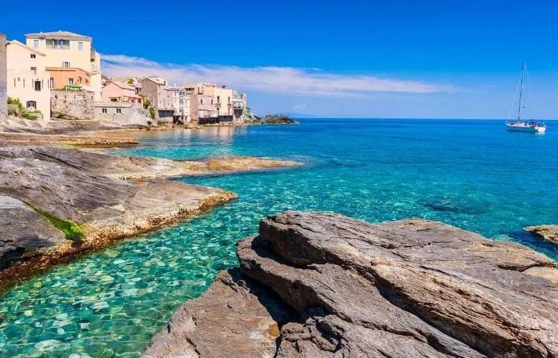 Despre Corsica (Franta), cand sa mergi, perioade bune si atractii turistice