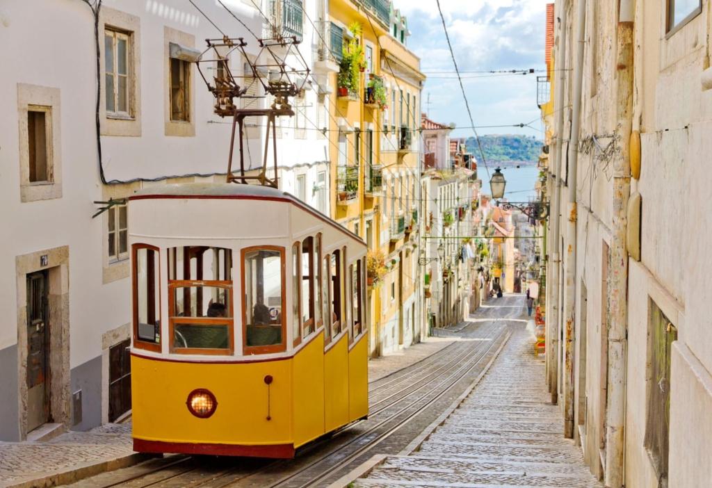 City break in Lisabona, Portugalia, doar 97 euro (zbor + cazare 3 nopti)!!