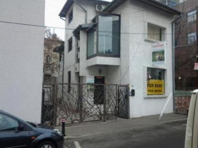 Vila in Doroganti-Floreasca, ideala comert, servicii sau birouri+locuit.