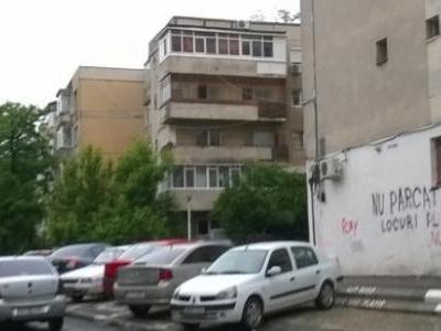 propietar vand apartament 3 camere termopan 2 aparate aer conditionat parchet stejar gresie faianta etaj 34 2 grupuri sanitare balcon 6m stradal an 82