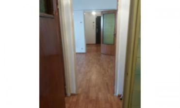 V?nd apartament cu 2 camere