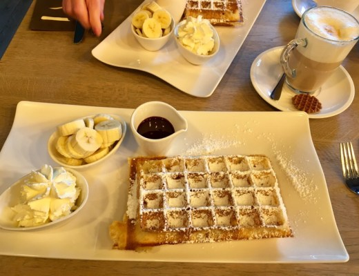House of Waffles Banana and Nutella Waffles - where to eat in Bruges, Belgium