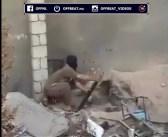 Terrorist schiet zichzelf kapot.