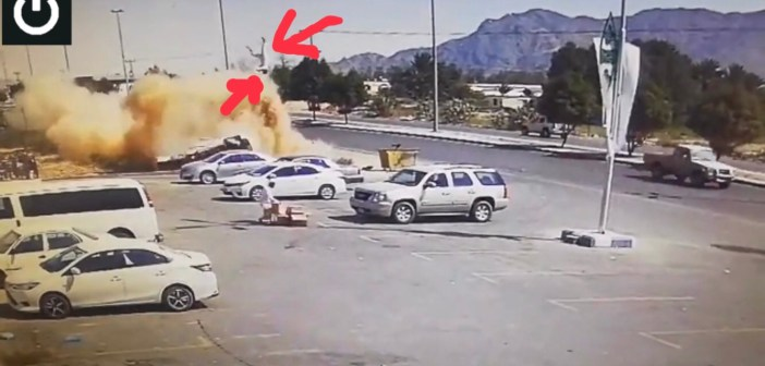 Bizarre crash lanceert automobilist metershoog de lucht in