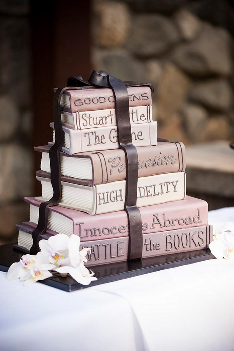 book-cake-detail