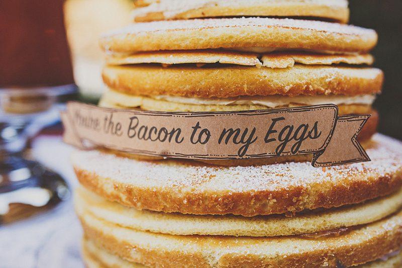 We dig breakfast so we LOVE this pancake wedding cake!