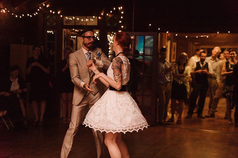 JohnnyAlexisWeBask in the glow of this rustic Washington wedding