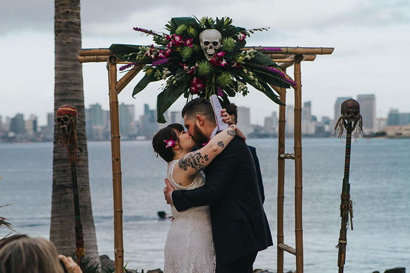 Pineapples & paper umbrellas at this Hawaiian-themed wedding in San Diego