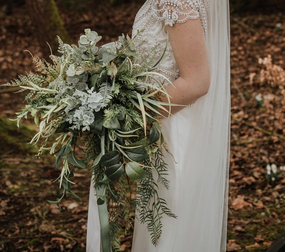 alternatives to flowers in wedding bouquets