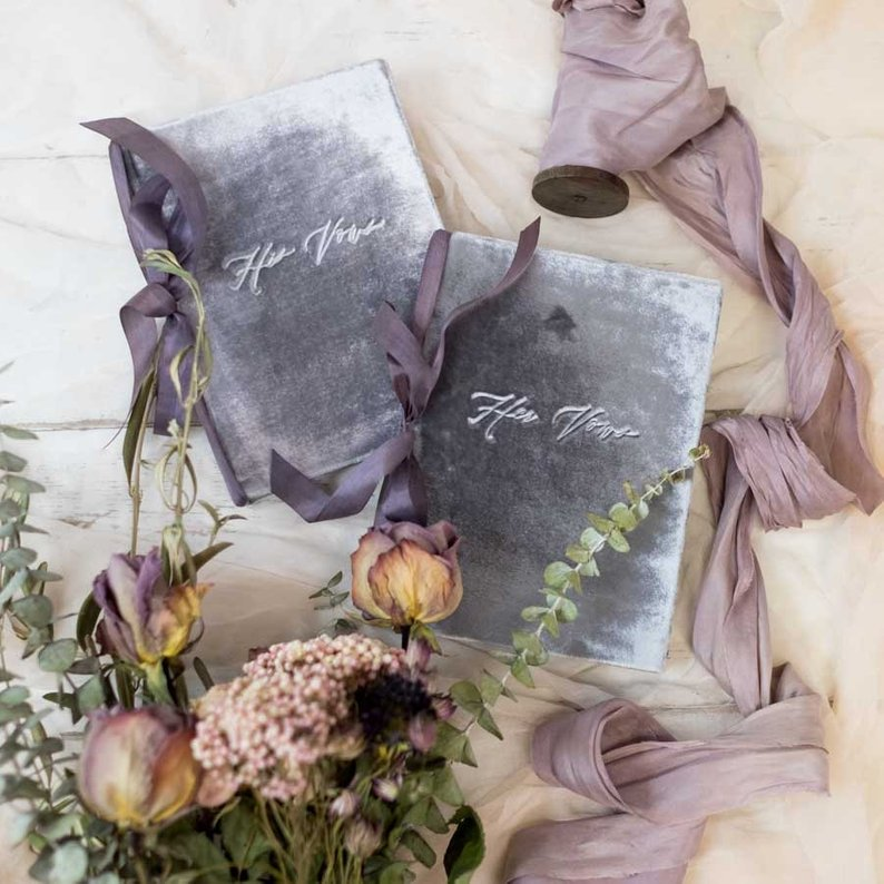 Get serene vibes with these pared down, nature themed wedding details
