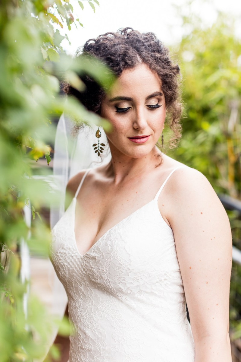 An eclectic fall wedding in Texas with succulent cupcakes & visiting donkeys