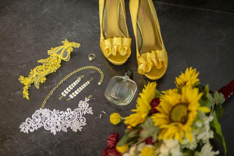 sunflower wedding accessories