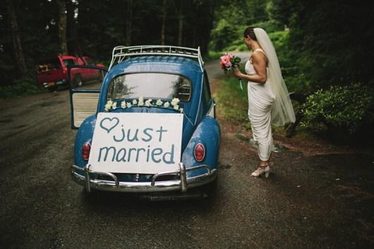 Jonas Seaman Photography on Offbeat Bride (10)