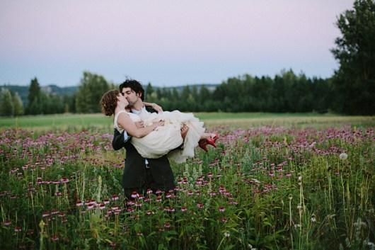 Jonas Seaman Photography on Offbeat Bride (7)