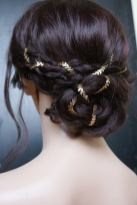 unusual hair accessories rose red rose white on offbeat bride (5)