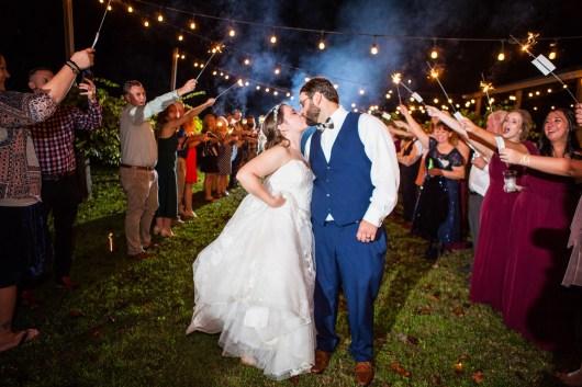 10-luxebylindsay-bride-groom-sparkler-kiss
